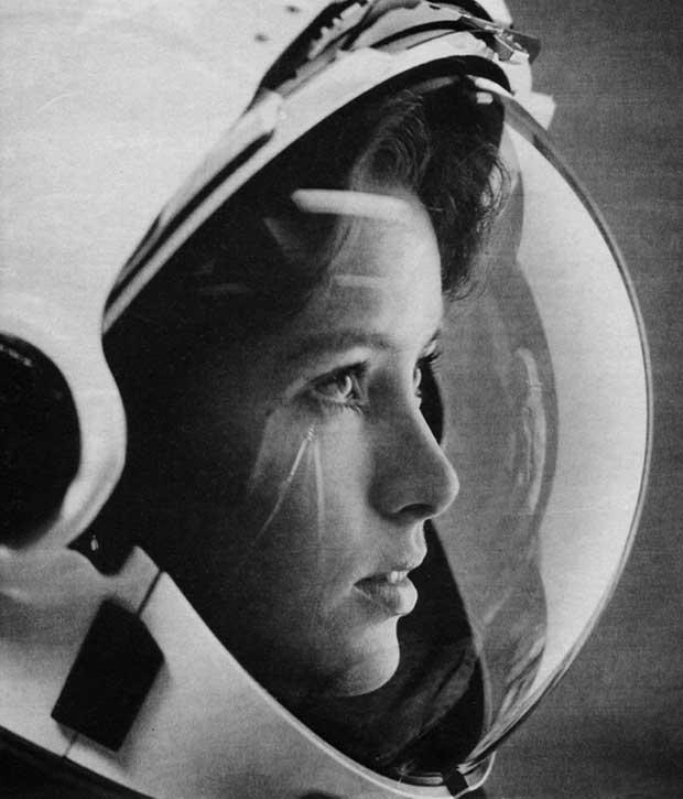 """Anna Fisher, """"la primera madre en el espacio"""" [1980s]"""