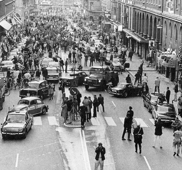 Primera mañana después de que Suecia cambió el lado izquierdo para circular por la derecha, 1967